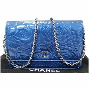 CHANEL Camellia Patent Leather Wallet on Chain WOC